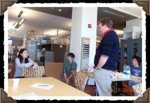 03/17/16 - Xiufang shares her research with Ian Baldwin.