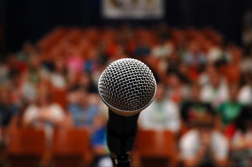 mic crowd